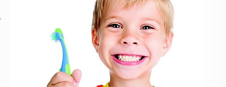 jongen tandenborstel